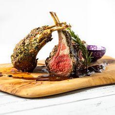 Mint and Garlic Crusted Lamb Rack with Pan Sauce Healthy Lamb Recipes, Cooking Recipes, Holiday Recipes, Dinner Recipes, Dinner Ideas, Lamb Cuts, Rack Of Lamb, Lamb Dishes, Just Cooking