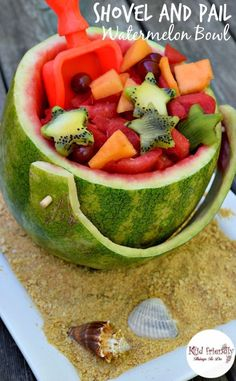 What a fun and simple idea for fruit salad! This shovel and pail watermelon is perfect for holidays, summer picnics, and Ocean birthday parties like Finding Dory or whatever! http://KidFriendlyThingsToDo.com