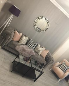 Harika Salon Dekorasyonu, Salon Takımları, Modeller ve Fikirler - 13 Personal touches to the de Home Room Design, Room, Room Design, Living Room Sets, Bedroom Design, Room Decor, Interior Design Living Room, Living Room Designs, Home Decor Furniture