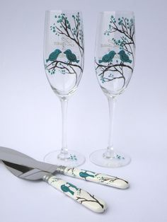 Hand Painted Wedding Toasting Flutes Set Of 2 Personalized Champagne Gles Black Trees And Blue Birds 49 00 Pinterest