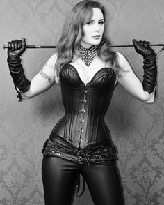 I love pics of Dominant Leather Women - Whip - BDSM - Discipliniarian Leather Corset, Leather Trousers, Leather Gloves, Lace Tights, Female Supremacy, Sexy, Alpha Female, Dominatrix, Boss Lady