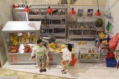 Olivia's choice: Miniature Hong Kong in Telford Plaza (Chicken Stall)