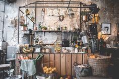 Hier kan je de beste koffie drinken in Delft Cafe Bar, Cafe Shop, Cafe Restaurant, Restaurant Design, Tea Cafe, Lunch Cafe, Lunch Room, Juice Bar Interior, Juice Bar Design