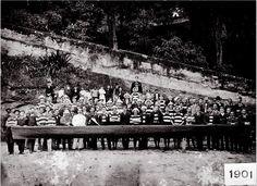 """Olavo Bilac batiza de """"Salamina"""" o barco da equipe de remo do Botafogo F.R. Rio de Janeiro - 1901 Acervo Botafogo de Futebol e Regatas"""
