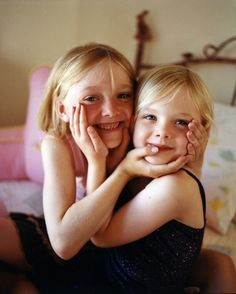 Elle & Dakota Fanning. Adorable...