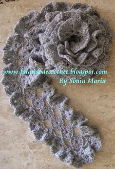 Crochet Scarves  ~KJ~ This site is all in Spanish. There are so many beautiful scarves here and if you are clever and can read directions or see how the patterns work, I think you might really enjoy these.