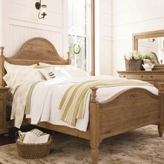 Country-Chic Bed
