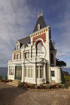 Plus de 1000 id es propos de dinard villas for Belle architecture villa