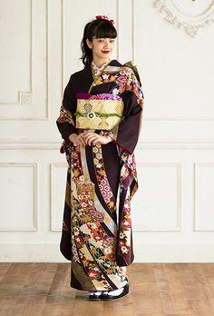Japanese Costume, Japanese Kimono, Nana Komatsu, Folk Costume, Yukata, Vintage Girls, Kimono Fashion, Costumes For Women, Kimono Top