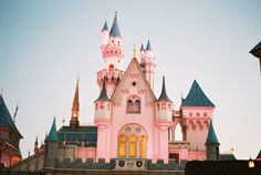 Disney Anaheim, Personal Image, Notre Dame, Disneyland, Las Vegas, Mansions, Film, House Styles, Building