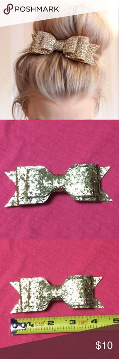 Glitter Hair Bow This sparkly barrette will look great on any occasion! Wear it casually, or on a big night! Wedding, prom, homecoming, cheerleading, out on a date, holidays, etc. Accessories Hair Accessories