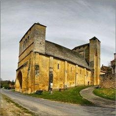 Les Eyzies-de-Tayac ~ Aquitaine ~ Dordogne ~ France ~ Saint Martin Church (13th Century)