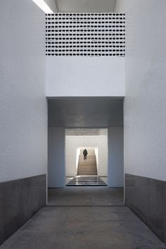 Image 8 of 30 from gallery of The Void / Hyunjoon Yoo Architects. Photograph by Park Young-Chae Minimal Architecture, Stairs Architecture, Interior Architecture, Interior Design, Virtual Studio, Drawing Interior, Alvar Aalto, Minimalist Interior, Future House
