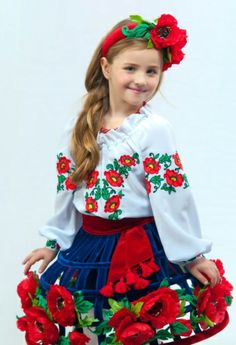 Ukraine, from Iryna with love Dance Fashion, I Love Fashion, Boho Fashion, Kids Fashion, Flower Head Wreaths, Kids Hair Bows, Ukraine Women, Group Costumes, Clothing Patterns