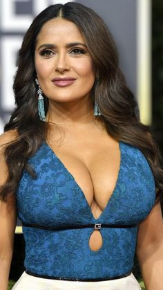 At the Golden Globes with the Globes😍 - salmahayek Indian Actress Hot Pics, Indian Actresses, Sexy Older Women, Sexy Women, Salma Hayek Body, Salma Hayek Pictures, Selma Hayek, Mädchen In Bikinis, Hollywood Celebrities