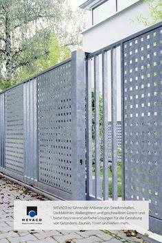 Durch die Verwendung von Lochblech, schafft Kunstschmied Lothar Altfeld ein attraktives und funktionales Meisterwerk. Einem so außergewöhnlichem Metall stehen alle Türen offen. Mehr unter www.mevaco.de/fascination-28 #MEVACO #Gartenzaun #Stahl #Lochblech #FaszinationNo28
