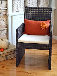 Turn a wool sweater into a cozy pillow >> http://blog.diynetwork.com/maderemade/2013/09/06/8-inspired-fall-decorating-and-entertaining-ideas?soc=pinterest
