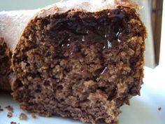 """Vi essa receita a primeira vez no blog """" Delícias da Priscila Beneducci """", e originalmente é do """"Blog da Suzy"""" ... a Idéia de um bolo as..."""