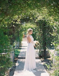 Gorgeous Vineyard Wedding With Boho Flair - Wilkie: This boho bride's lace long sleeved dress looks so stunning! Tulle Wedding, Bridal Wedding Dresses, Boho Wedding, Wedding Bride, Peach Bridesmaid Dresses, Popular Wedding Dresses, Amazing Wedding Dress, Vineyard Wedding, Boho Bride