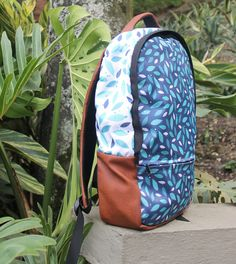 Morral hojas azules Marca FULANO. Bags, Morrales, mochilas, backpack, maletines.