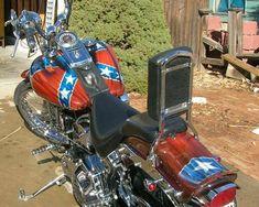 Biker Photos, Motorcycle Types, Confederate Flag, Tank Design, Custom Harleys, Easy Rider, Harley Davidson Motorcycles, Cool Cars, Vehicles