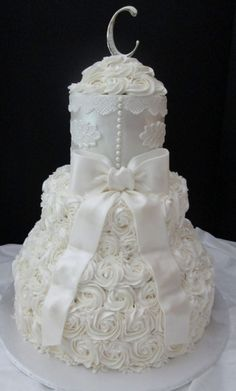 Ivory Applique and Rose Swirls Wedding Cake