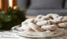 Christmas vanilla rolls with sugar Krabi, Sweet And Salty, Almond, Vanilla, Dairy, Sugar, Cheese, Food, Christmas