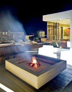 foyer extérieur pour la terrasse extérieur en bois