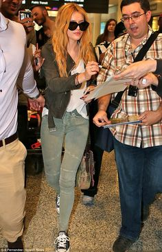 Bella Thorne and Gregg Sulkin get mobbed by fans in Toronto #dailymail! Pintirest: @DanyelaChan ♔ Follow Me