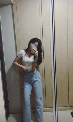 Cute Selfie Ideas, Applis Photo, Ulzzang Girl, Kos, Cool Pictures, Cute Outfits, Fashion Outfits, Hair Styles, People