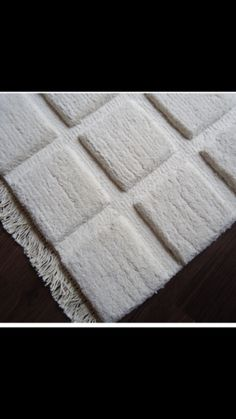 #Handknotted #customrugs #150knots #milkywhite #wool #rugsbygoldberry #00919560700035 Custom Rugs, Wool, Home Decor, Interior Design, Home Interior Design, Home Decoration, Decoration Home, Interior Decorating
