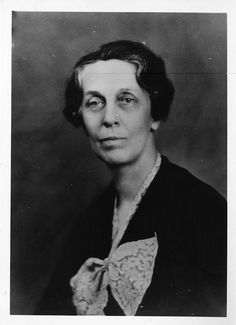 Emma Perry Carr (1880–1972) was an American spectroscopist who taught chemistry at Mount Holyoke College. She was awarded the American Chemi...
