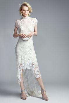 Simplemente perfecto.  Net a Porter lanza una exclusiva colección de vestidos de novia: el vestido de Lover
