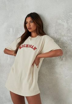 Casual Summer Outfits, Trendy Outfits, Cute Outfits, Fashion Outfits, Trendy T Shirts, Big T Shirts, T Shirt Outfits, Tshirt Dress Outfit, Indie Outfits