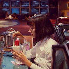Uma Thurman in Pulp Fiction 1994 パルプフィクション Iconic Movies, Classic Movies, Uma Thurman Pulp Fiction, Quentin Tarantino Films, Best Milkshakes, Non Plus Ultra, Mia Wallace, Haha, Great Films