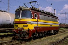 Rail Transport, Electric Locomotive, Travel, Display Stands, Trains, Train Station, Viajes, Destinations, Traveling