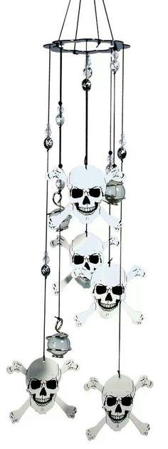 Skull chimes