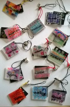 - Ma classe en question like the layers of color the layers of color MAMAN! - Ma classe en question like the layers of color the layers of color Projects For Kids, Diy For Kids, Crafts For Kids, Diy Crafts, Shrink Art, Shrinky Dinks, Mothers Day Crafts, Parent Gifts, Mother And Father