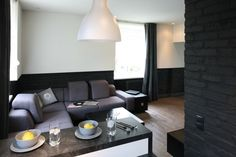 Mały salon - 15 pomysłów od architektów  - zdjęcie numer 10 Studio Apartment, Conference Room, Couch, Table, Furniture, Home Decor, Google, Living Room, Studio Apt