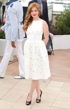 The Great Gatsby photo call - May 15 2013  Isla Fisher teamed a Dolce & Gabbana white lace dress with black peep-toe heels.