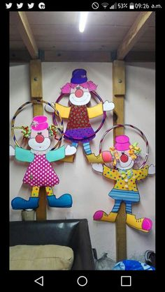 Decoração com bambole Clown Crafts, Circus Crafts, Carnival Crafts, Carnival Themed Party, Carnival Birthday Parties, Carnival Themes, Circus Birthday, Circus Party, Diy And Crafts