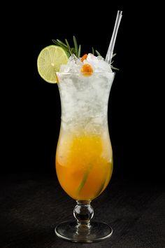 10 лимонадов и фруктово-ягодных напитков