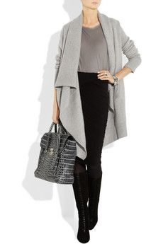 This is pretty much my everyday ensemble in winter. Grey, black, boots, ruching.