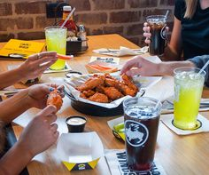 Chicken Wings - 7060 Hollywood Blvd. @bwwings #Bwwings #Chicken #ChickenWings #Foodie #Restaurant #HollywoodBoulevard #HollywoodBlvd #DHmagazine