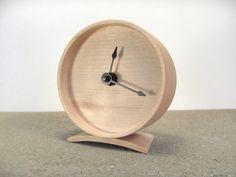 Maple Wooden Clock por offcutstudio en Etsy, $90,00