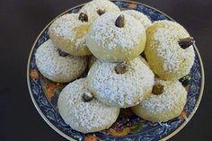 Pistazien- und Mandelkekse 1 Keks Dessert, Doughnut, Cereal, Cookies, Breakfast, Desserts, Cake, Food, Winter