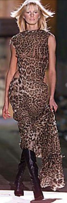ROBERTO CAVALLI FALL 2001 READY-TO-WEAR Roberto Cavalli, Ready To Wear, Animal, Fall, How To Wear, Collection, Dresses, Fashion, Autumn