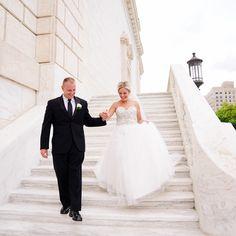 Michigan Wedding Photographer, Bride and Groom, Detroit Institute of Art Wedding www.jakyjaninephotography.com