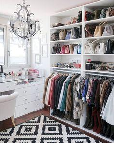 Choice Your Best Closet Storage Ideas Inside Your Room closet inspiration Dressing Room Decor, Dressing Room Closet, Dressing Rooms, Closet Vanity, Vanity Room, Master Closet, Closet Bedroom, Master Bedroom, Spare Room Closet