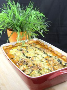Zucchini Gratin with Meat: Courgette Gratin Recipe – Marmiton - Quick and Easy Recipes Casserole Recipes, Meat Recipes, Cooking Recipes, Zucchini Gratin, Minced Meat Recipe, Healthy Dinner Recipes, Macaroni And Cheese, Food And Drink, Yummy Food